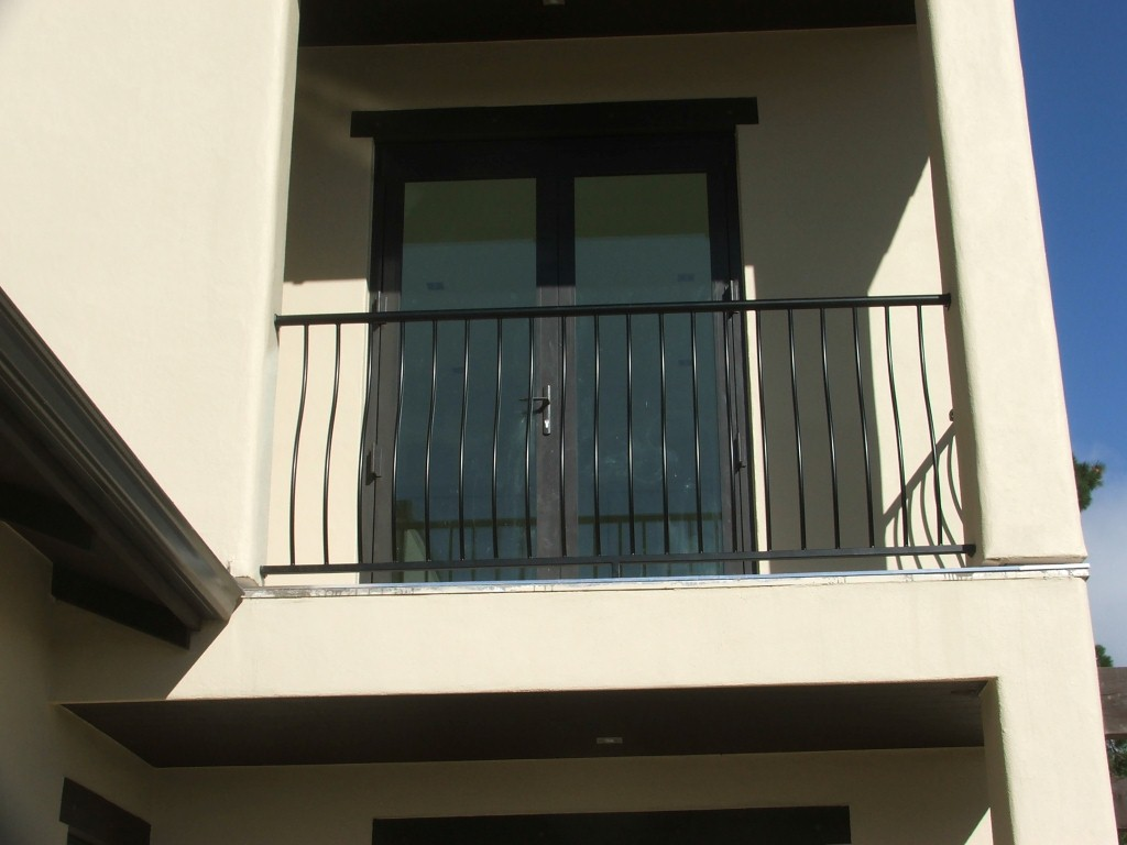 Balcony balustrades gallery reco wrought iron for Balcony gallery